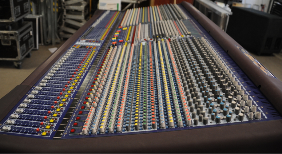 MIDAS HERITAGE 3000 used sound mixing console